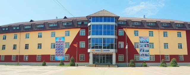 """Мурун """"Себат"""" деп таанылган лицей, мектептери азыр """"Сапат"""" деп аталып, Кыргызстандагы алдыңкы мектептерден саналат"""
