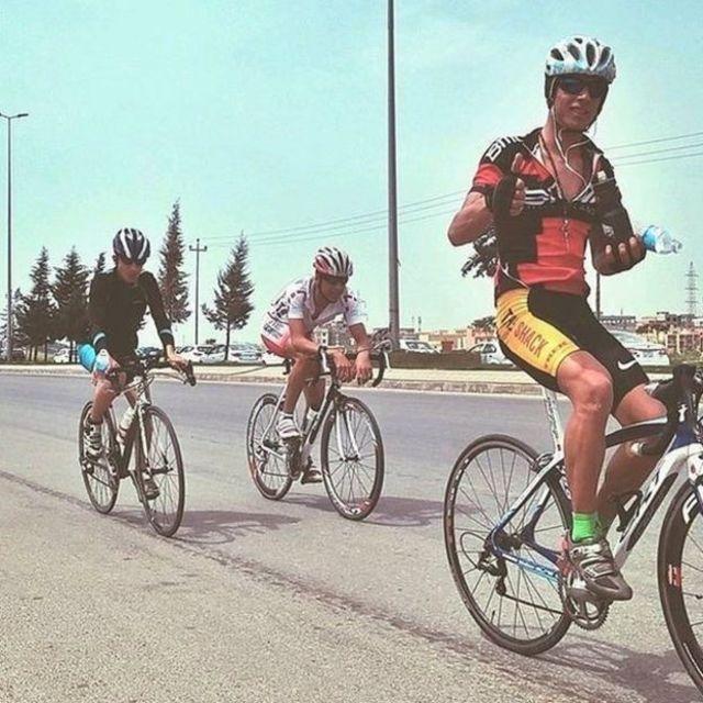 डहूक में साइकिल सवारों का एक समूह