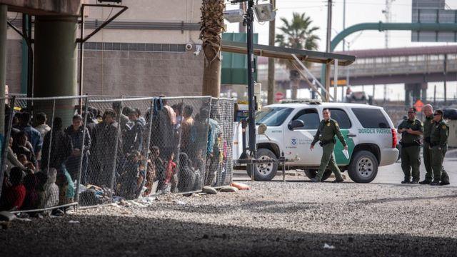 Centro de detención de migrantes en El Paso, Texas.