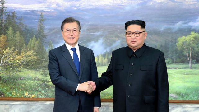 Moon Jae-in na Kim Jong-un