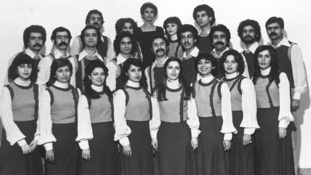 گروه کُر رادیو-تلویزیون ملی ایران (همآوازان) به رهبری گلنوش خالقی، تهران، ۱۳۵۵