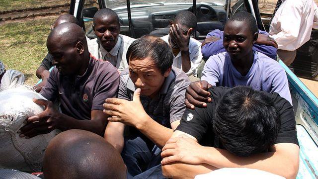 Hai đốc công người Trung Quốc bị kết tội 'cố ý giết người' đối với thợ mỏ Zambia khi họ phản đối điều kiện làm việc tồi ở một mỏ than năm 2010.