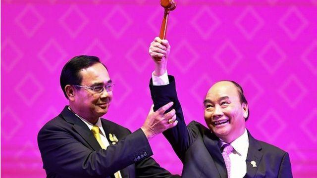 Việt Nam tiếp nhận vai trò Chủ tịch ASEAN tại Thượng đỉnh ASEAN ở Bangkok.