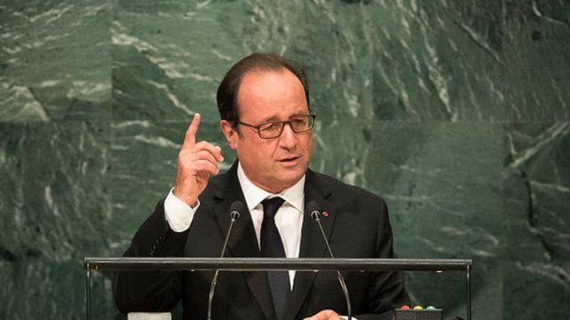 """François Hollande a qualifié d' """"inadmissibles et insupportables"""" les violences survenues en RDC et a dénoncé """"des exactions venant de l'Etat congolais lui-même""""."""