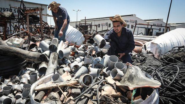 Разрушенный завод в Газе