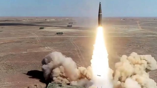 Ракетный комплекс Искандер-М армии РФ