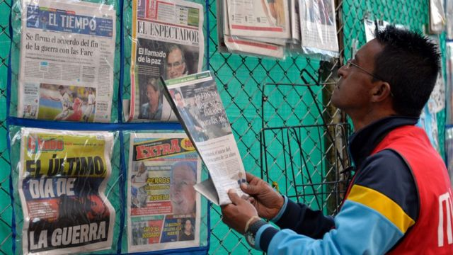 periódicos en Colombia anunciado la firma del cese al fuego definitivo de las FARC