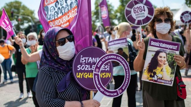 İstanbul sözleşmesi protestosu