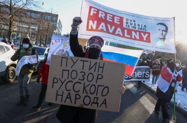 """Фільм про """"палац Путіна"""" подивилося 26% росіян. Третина з них вважають усе неправдою"""