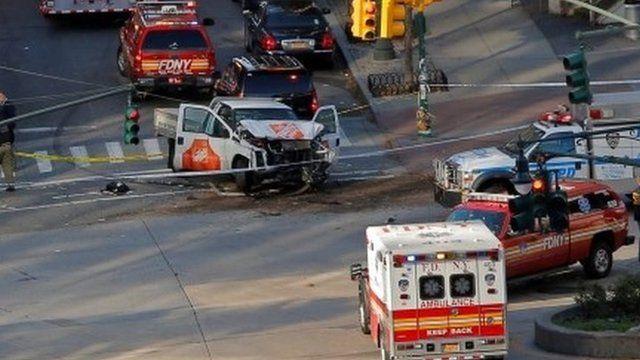 Escena del ataque con camioneta en Nueva York