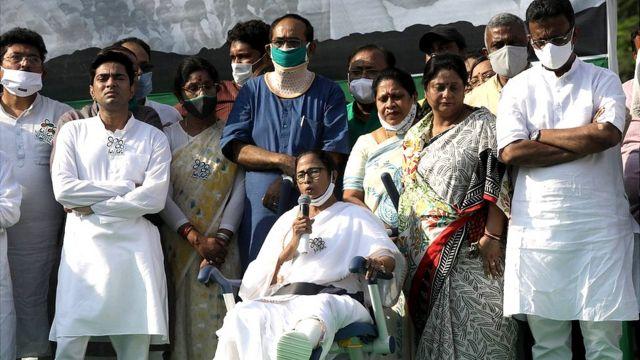 पश्चिम बंगाल चुनाव: कुछ अहम सवाल और बीजेपी, तृणमूल, कांग्रेस और वाम नेताओं  के जवाब - BBC News हिंदी