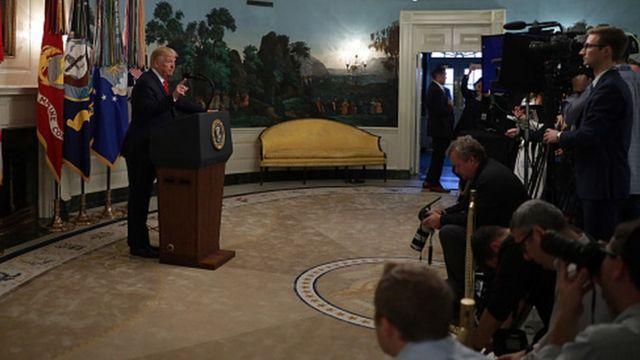 رئیسجمهوری آمریکا اعلام کرد ابوبکر بغدادی در سوریه کشته شده است.