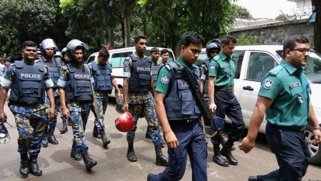 ढाका में कैफे पर हमला