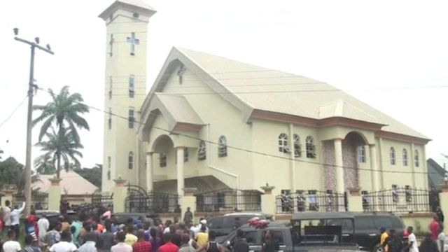 Ụlọụka St Philip Catholic Church Ozobulu