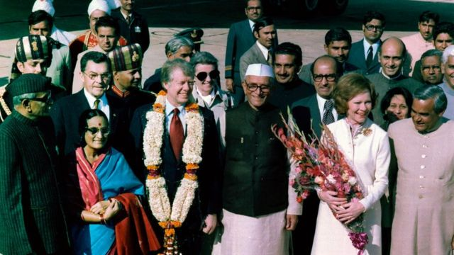 मोरारजी देसाई ने जिमी कार्टर और रोजलिन का स्वागत किया था