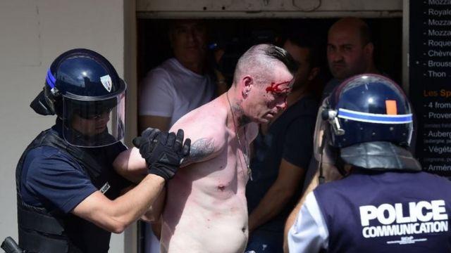 Violencia de aficionados en Marsella
