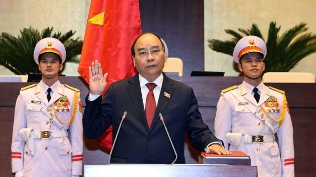 Tân Chủ tịch nước Nguyễn Xuân Phúc tuyên thệ nhậm chức sáng 5/4