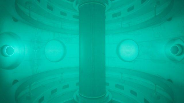 Interior de reator de fusão nuclear