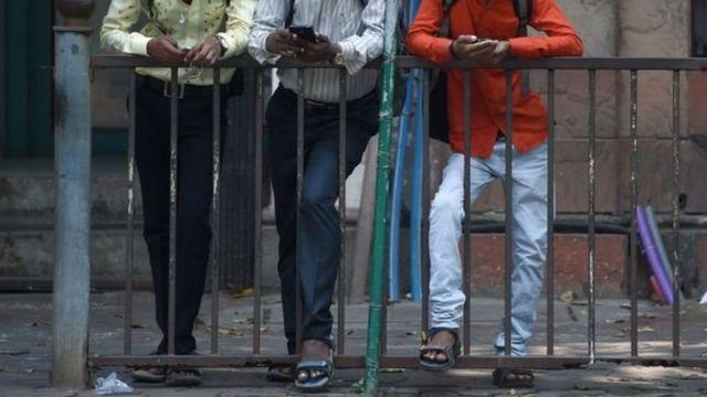 Pembuatan dan berbagi pornografi adalah pelanggaran hukum di India.