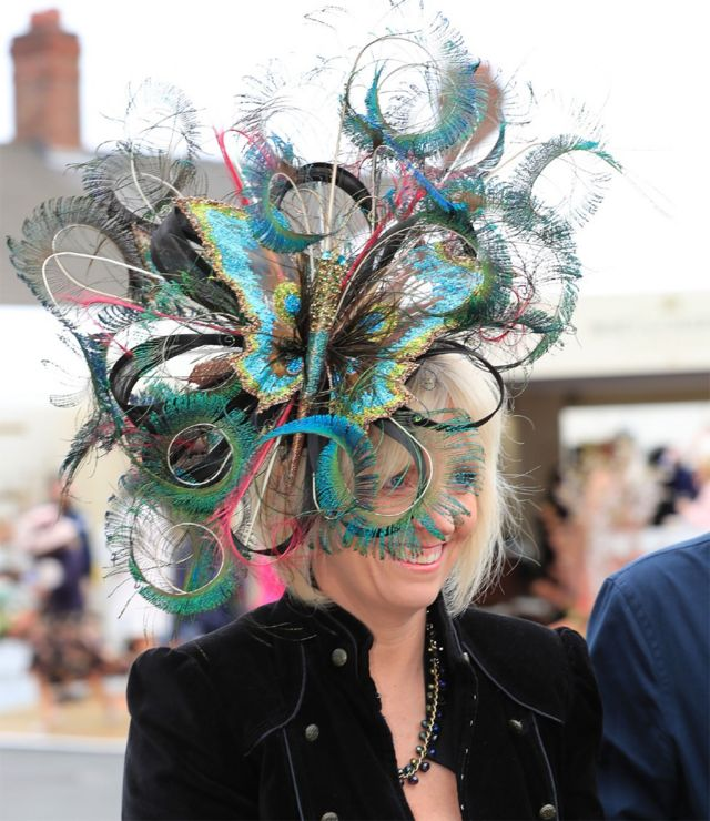 Ladies Day at the Grand National Festival