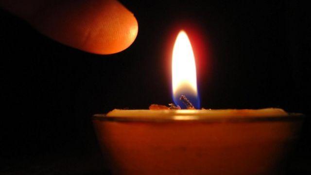 كيف يبدو الشعور بالألم إذا لمست لهب شمعة موقدة؟