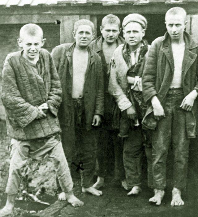 Беспризорные, 1932 год. Вот такой публики больше всего боялись люди в бесконечной очереди за хлебом