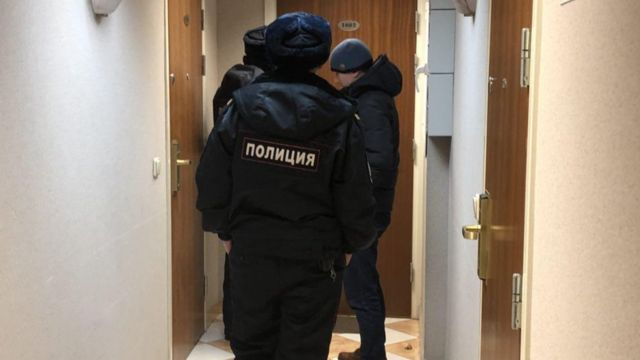 полиция в доме Яшина