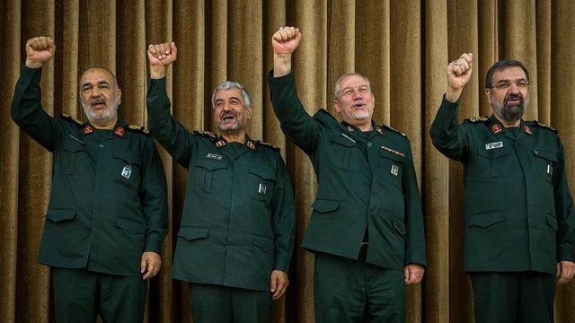 سه فرمانده پیشین سپاه پاسداران در مراسم معارفه: محسن رضایی، یحیی رحیم صفوی، محمدعلی جعفری، حسین سلامی (از راست به چپ)