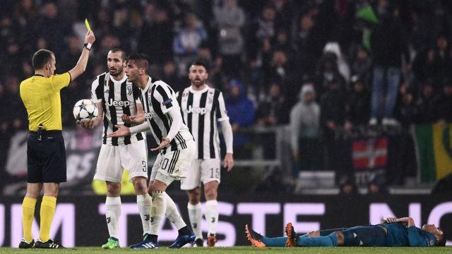 Aláàkóso ìfẹsẹ̀wọnsẹ̀ náà sì tún lé atamátàsé ikọ Juventus, Paulo Dybala jáde