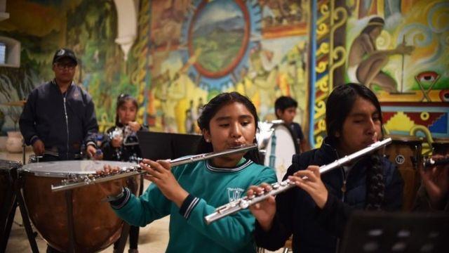 Estudiantes de música en Tlaxiaco