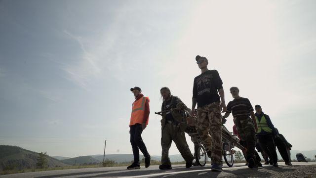 Команда шамана на шоссе
