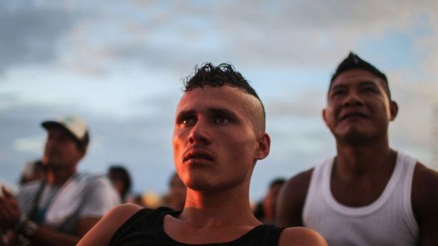 Miembros de las FARC tras la firma del acuerdo de paz