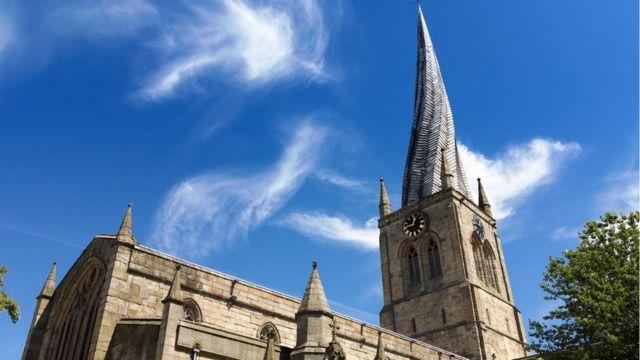 Шпиль церкви в Честерфильде