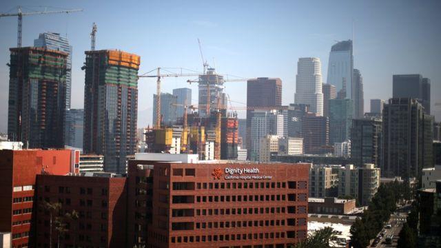Imagen del centro de Los Ángeles desde la distancia