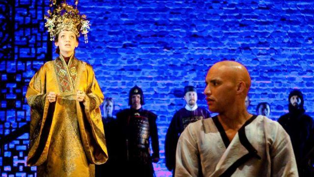 2012年11月至2013年3月,英国皇家莎士比亚剧团(RSC)上演《赵氏孤儿》。