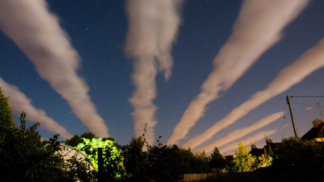 Unusual 'cloud streets' spotted over Oxfordshire and Gloucestershire