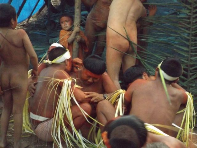 Indígenas Korubo