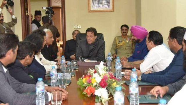 પાકિસ્તાનના વડાપ્રધાન ઈમરાન ખાન, નવજોત સિંહ સિદ્ધુ અને અન્ય મહાનુભાવો