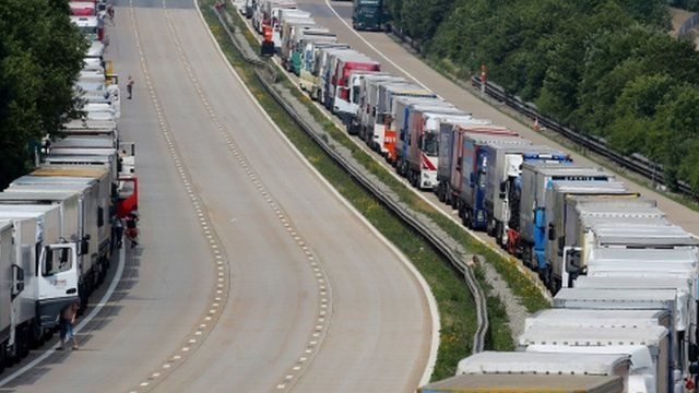Queues of lorries on the M20