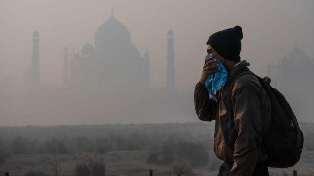 انڈیا میں تاج محل کے قریب آلودگی