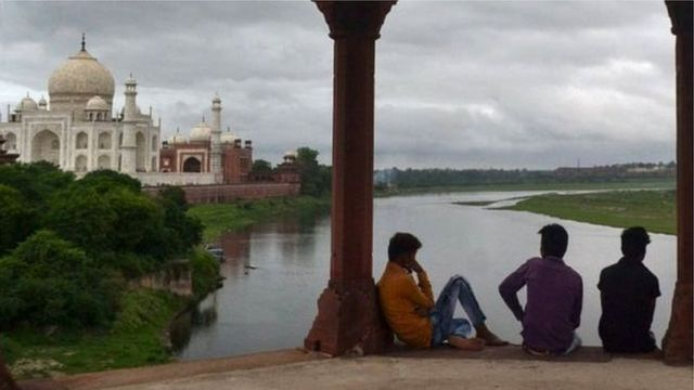 ताजमहाल. यमुना