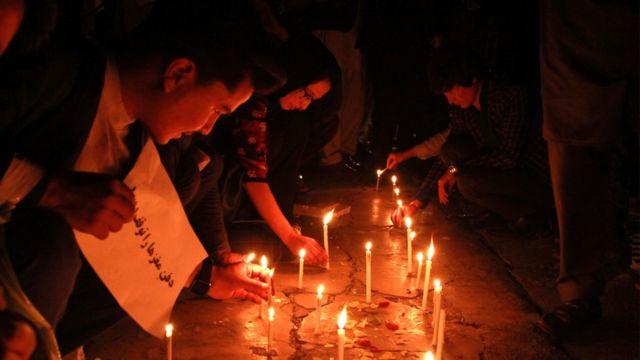 مراسم شمعافروزی برای قربانیان حمله انتحاری دهبوری کابل