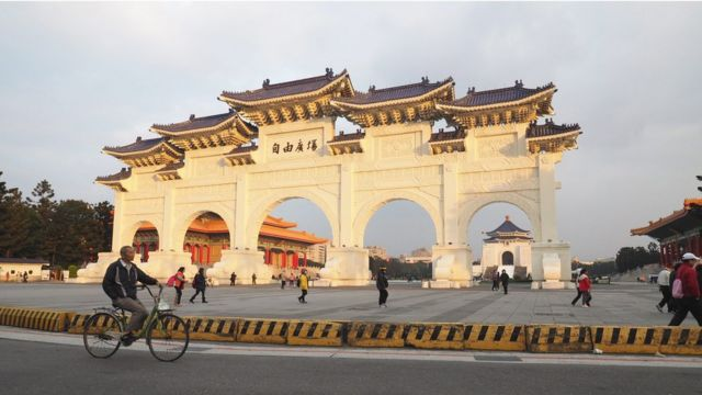 台北中正纪念堂和自由广场