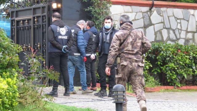 Operasyonda, Peker'in Beykoz'daki villası da arandı.