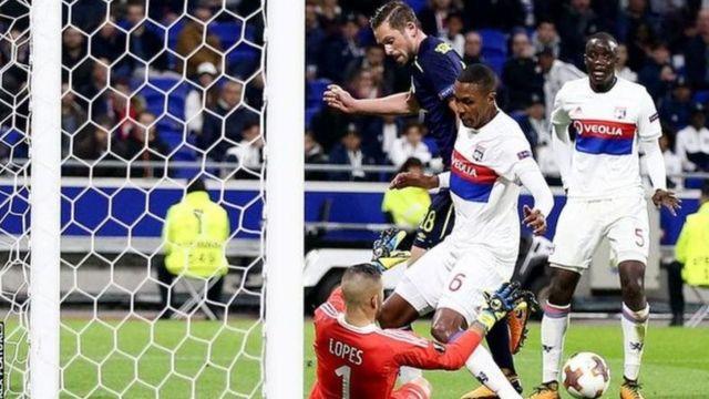 Everton iliosalia na wachezaji 10 uwanjani walidondolewa katika kombe la ligi ya Yuropa baada ya kushindwa na Lyon
