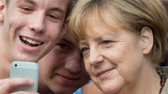 Тинейджеры и Меркель
