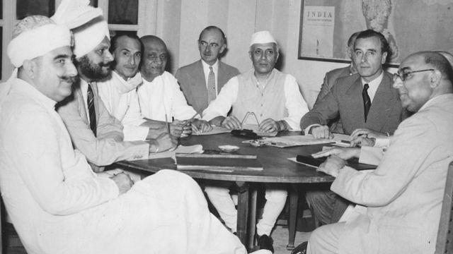 ماؤنٹ بیٹن، لیاقت علی خان، سردار عبدالربنشتر، نہرو