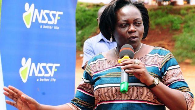 Sarah Opendi, la ministre ougandaise de la santé, a révélé qu'elle s'est déguisée en patiente pour démanteler une chaine de corruption