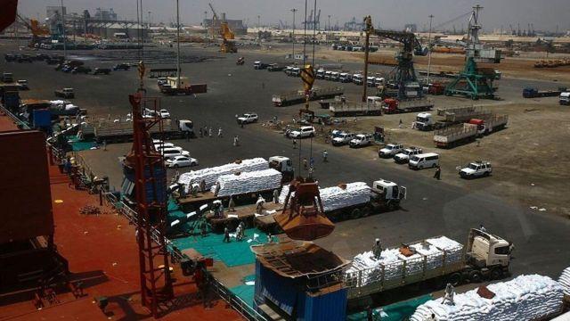 Saldhigga milatari ee Ruushka waxa laga dhisi doonaa meel u dhaw dekadda Port Sudan