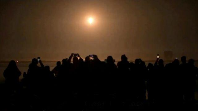 El lanzamiento visto desde la costa.